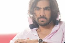 This birthday I have been gifted Samaira - Karan V Grover
