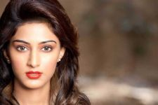 Shaheer is very supportive and encouraging- Erica Fernandes