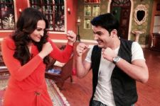 Sonakshi judges Kapil Sharma's mimicry talent
