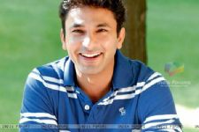 Vikas Khanna takes Lata Mangeshkar's blessings for 'MasterChef India'
