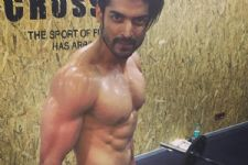 Gurmeet Choudhary goes ALL-OUT for his body..!