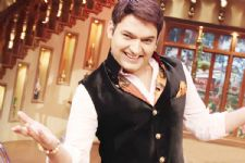Yay!! Kapil Sharma BAGS another Award..!