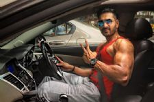 'Nagarjun' actor gets a 'BIG' ticket to Bollywood!