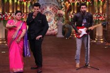 Ranbir Kapoor and Karan Johar go all retro on Comedy Nights Bachao Taaza!