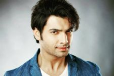 Ssharad Malhotra has a SPECIAL MESSAGE for all his fans..!