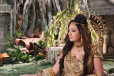 Juhi turns chef on 'Karmaphal Data Shani' set
