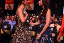 Mouni Roy shares a fan girl moment with Alia Bhatt
