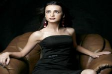#Stylebuzz: Sanaya Irani takes up the Style Rapid Fire!!