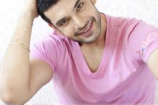 Karan Kundra changes his name!