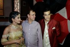 Mohsin's REAL LIFE FATHER visits him on the sets of 'Yeh Rishta Kya Kehlata Hai!'