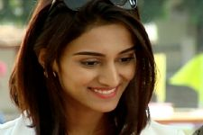 #Stylebuzz: When Erica Fernandes Surprised Us With Her FRESH LOOK In 'Kuch Rang Pyaar Ke..'