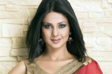 Look who INTRUDED Jennifer Winget's shoot!