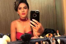 #Stylebuzz: Nia Sharma LITERALLY Owns The Colour 'Red' With This Outfit!