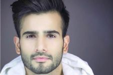 FINALLY! Karan Tacker to make his much-awaited Bollywood DEBUT with..