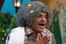 Sunil Grover is NOT going to replace a comedy show host!
