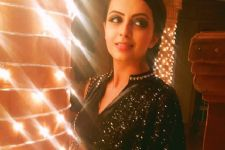Shrenu Parikh has an EXCITING news to share with her fans!
