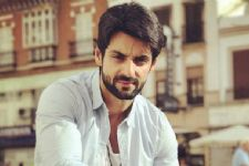 'Log Kya Kahenge' - Karan Wahi pens down a list of questions to throw upon the Indian society!