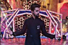 #Stylebuzz: Ravi Dubey Emerged In A Debonair Dark Look For The Zee Rishtey Awards