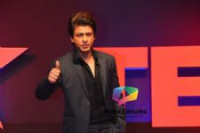 """I've never done anything for the love of money,"" SRK on his charges for TED Talks!"