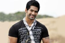 """I am open to experimenting each type of role."" - Amit Tandon on being typecast!"