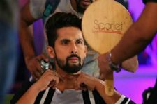 I am addicted to live content and live stage: Ravi Dubey