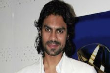 Gaurav Chopra BAGS a new project!