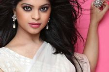 """If offered, would definitely do 'Bigg Boss'..."", says Sneha Wagh"