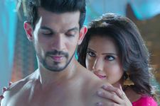 THIS picture of Adaa Khan and Arjun Bijlani will surely take you back to their Naagin days