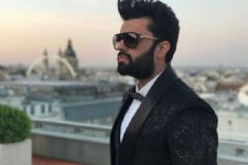 Manish Paul all set to get BACK to hosting with...