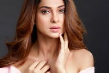 Jennifer Winget has a REQUEST to her fans; asks for her greatest gift ever!