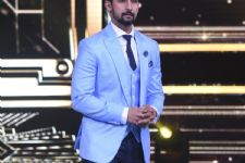 Helium ATTACK on Ravi Dubey on the sets of 'Sabse Smart Kaun?'