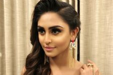 Woah! Krystle Dsouza CONFESSES who her first CRUSH was