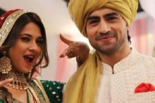 And it's celebration time for the cast and crew of 'Bepannaah'