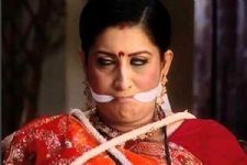 Smriti Irani gets back at the HATERS in a witty manner