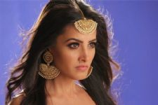 Anita Hassanandani Gets 'Unready' ; Makes A Powerful Statement