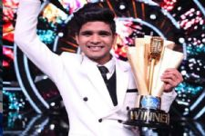 Indian Idol 10 WINNER: Salman Ali Lifts The Trophy & Takes Home 25 Lakhs!