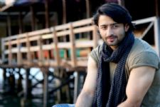 Shaheer Sheikh reveals his FAVORITE SONG, the one he plays on loop!