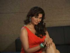 Diana Hayden shoots for Durian