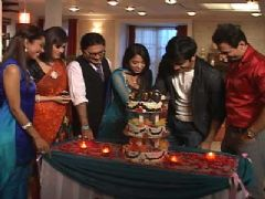 Star One's Rang Badalti Odhani completes its successful 300 Episodes