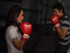 Sia teaches Boxing to Raghav on Channel V's Humse Hai Life