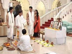 On the Sets of Hamari Saas Leela