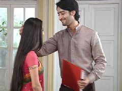 Navya and Anant to solve the fight between Ranbir and Rits