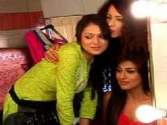 Madhubala turns make-up artist for her sister