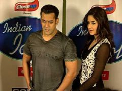 Salman and Katrina on the sets of 'Indian Idol 6'