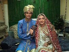 Aniket and Sejal eagerly awaits Suchita Trivedi on their Wedding day