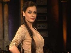 Stars at Mijwan Fashion Show - Part 01