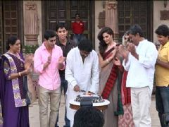 Sanjay Leela Bhansali celebrates his birthday on the sets of 'Saraswatichandra'