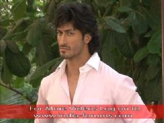 'Commando' Vidyut Jamwal helps CID to Solve a Case