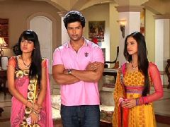 Virat and Manvi leaving for Mumbai to save Viren
