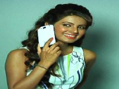 Geeta Basra's Photoshoot For Solotech Mobiles